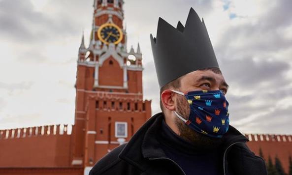 Стильно: защитные маски с принтами - PEOPLETALK