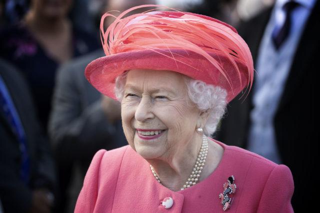 Для просмотра на досуге: какие сериалы нравятся Елизавете II?