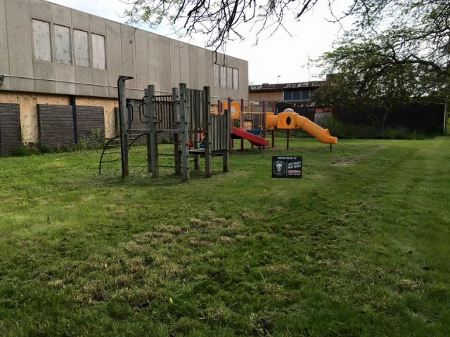 Here is a picture of the same playground an hour later.