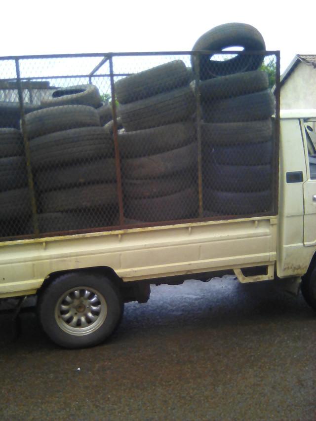 tyre collection in Vosloorus, October 2016