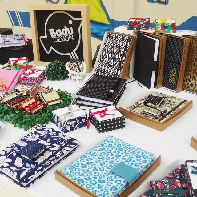 Produtos de papelaria artesanal em tecido