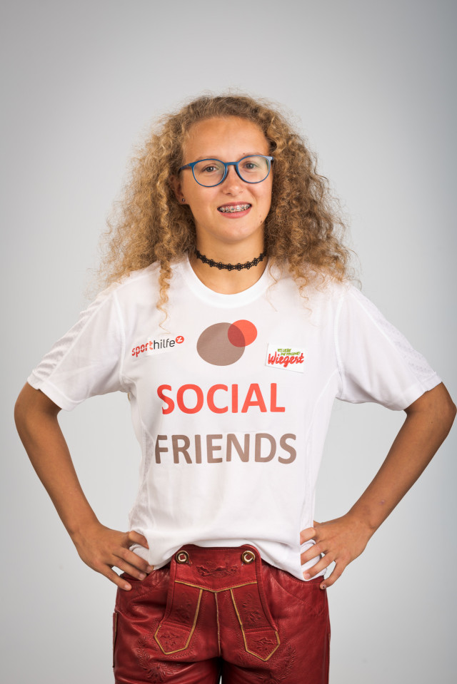 SOCIAL FRIENDS financially supports and coordinates professional photoshootings for our disabled athletes to professionalize their public relations work.