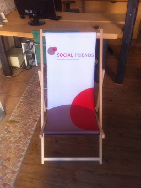 Goodie 3 - SOCIAL FRIENDS Folding Chair