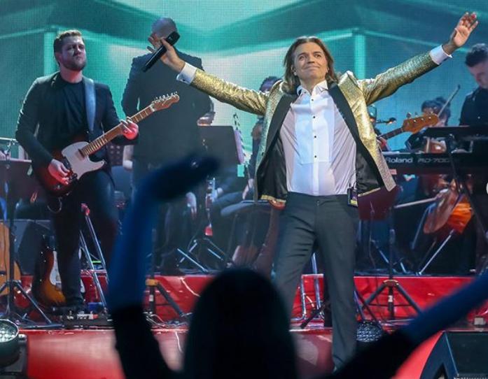 «До скорой встречи»: Певец Дмитрий Маликов перенес концерты из-за коронавируса