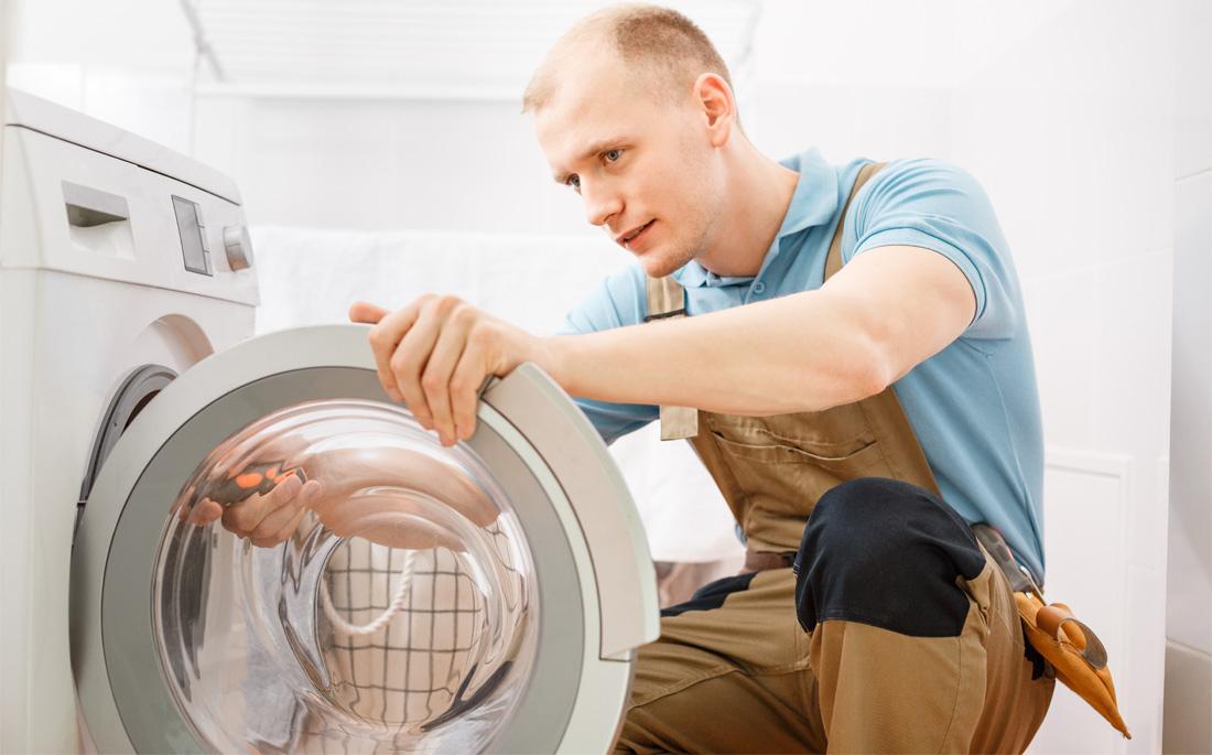 Ремонт неисправности с течью стиральной машины