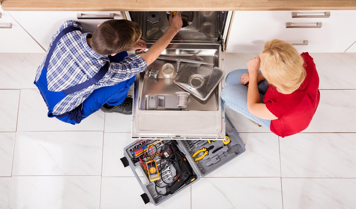 Устранение проблем с произвольным отключением посудомойки