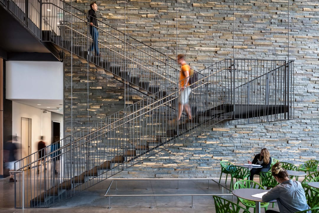edited_Ennead Architects - 22_VassarBridgeforLaboratorySciences_Richard-Barnes_Stairs