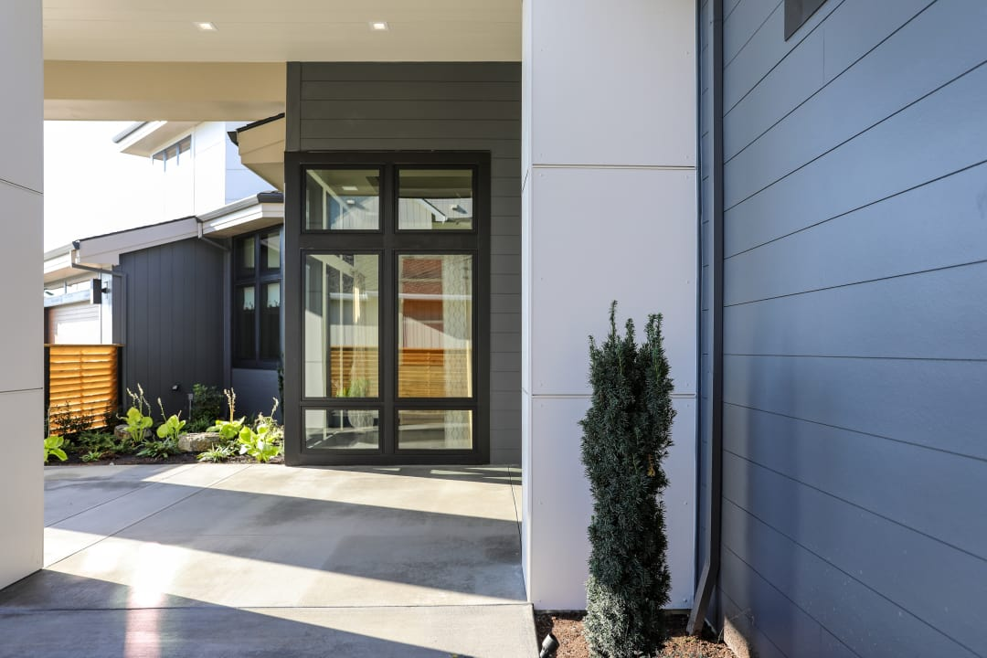 Combining different exterior profiles, such as the Artisan siding and Reveal panel system profiles seen here, part of the Aspyre Collection by James Hardie, helps to create a unique and visually appealing façade.