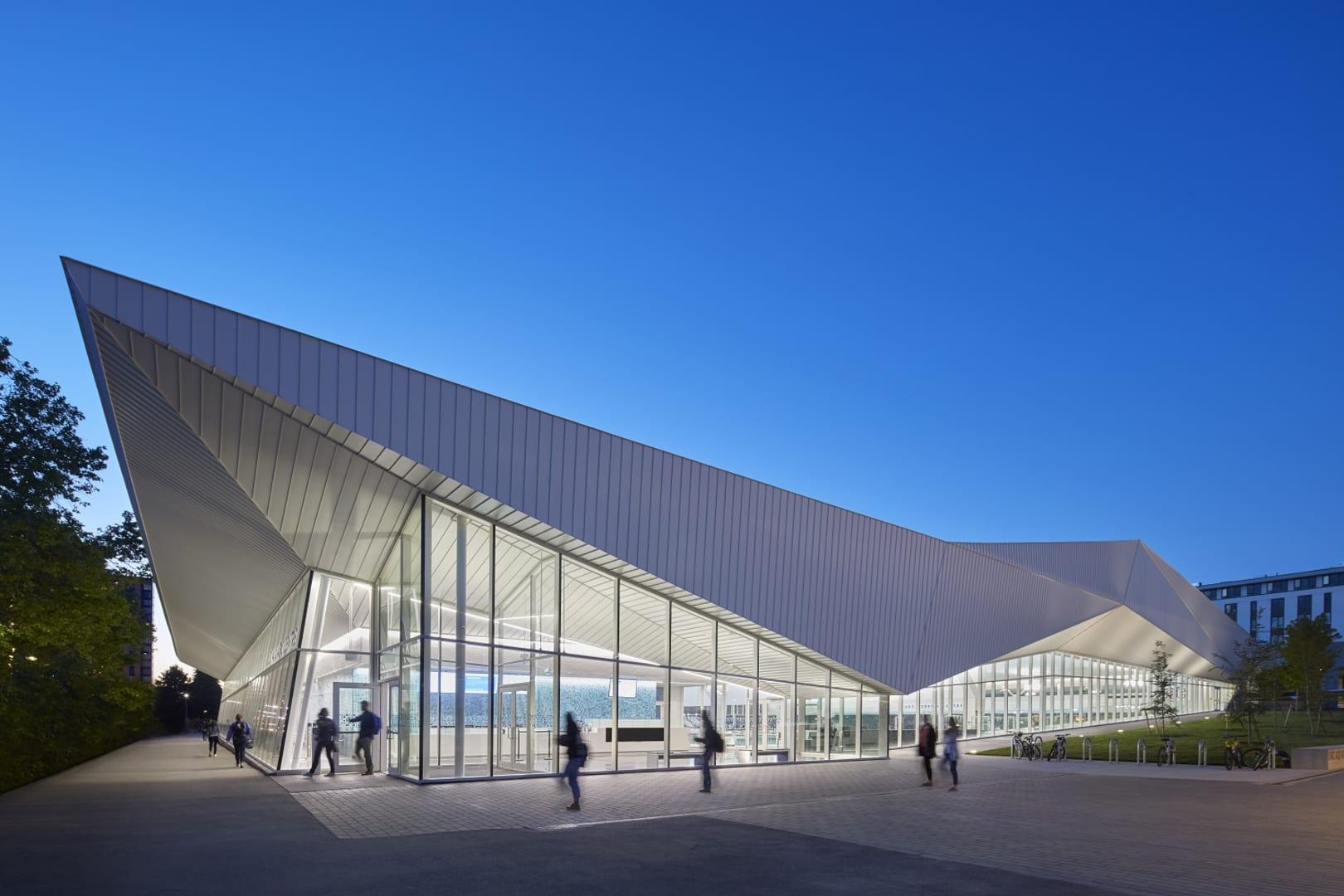 University of British Columbia Aquatic Centre-03 R