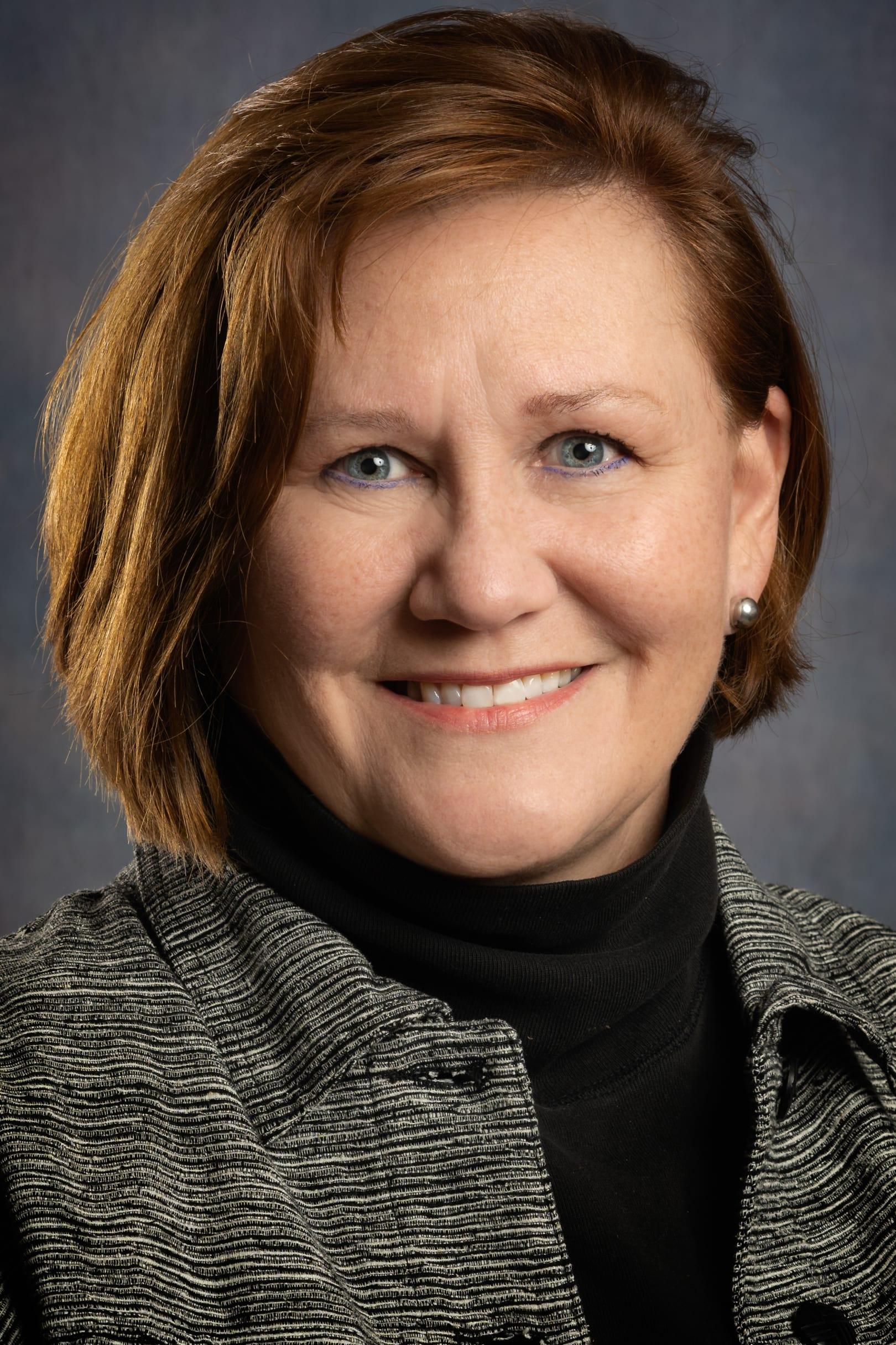 Maureen Guttman headshot