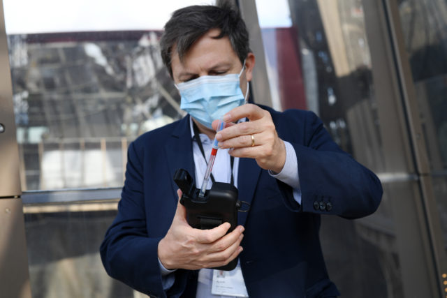 27 июля и коронавирус: около 16,5 миллионов инфицированных в мире, меньше 6 тысяч зараженных в России за сутки, специалисты назвали главные отличия COVID-19 от гриппа