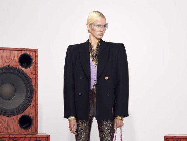 Versace представили новую коллекцию в музыкальном клипе: изучаем