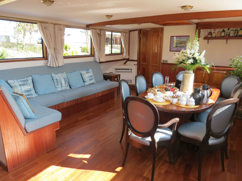 Anjodi Barge | Canal du Midi Cruise - France Cruises