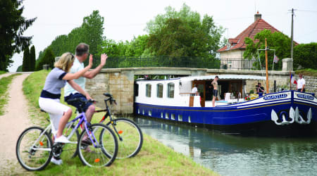why-your-next-cruise-should-be-a-canal-barge-cruise