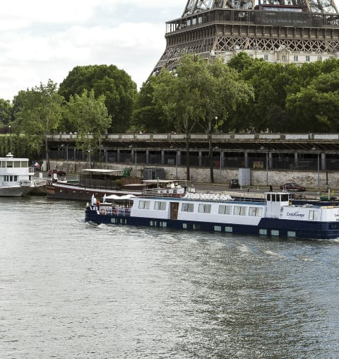 raymonde-prestigious-paris-the-canal-saint-martin