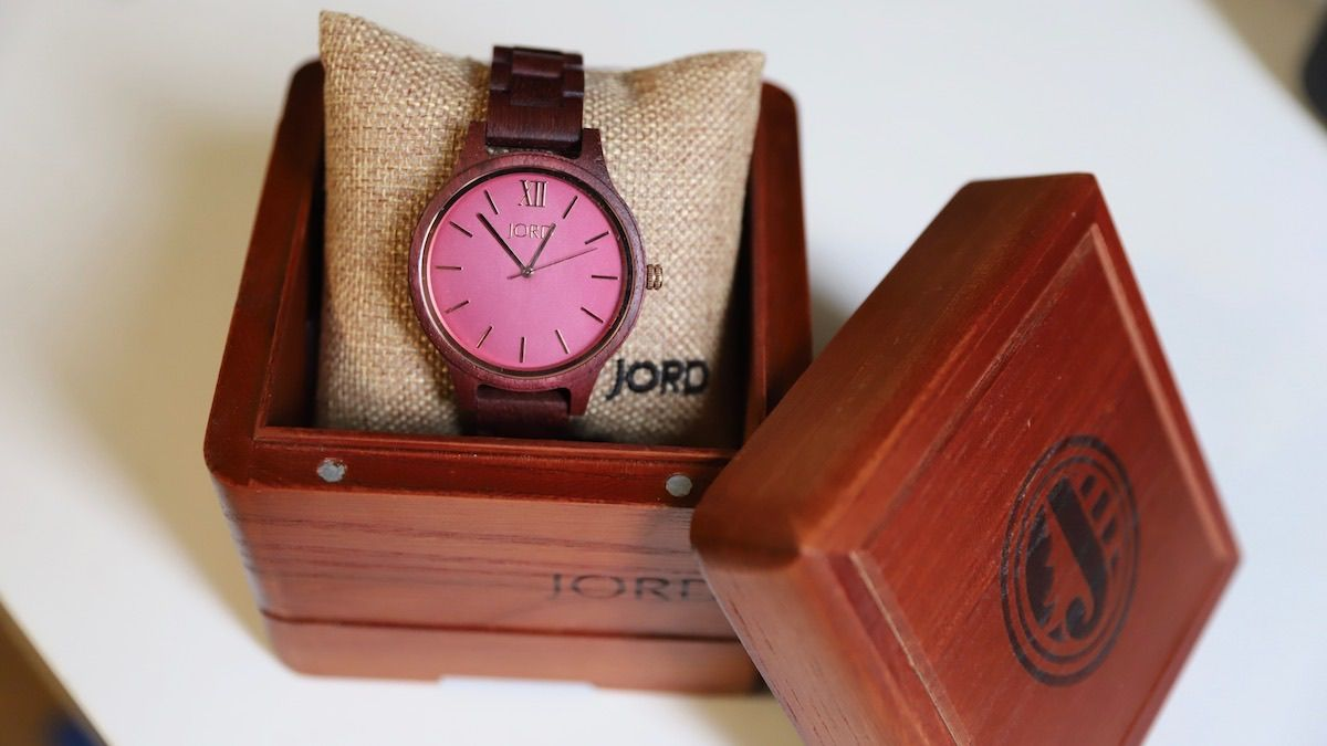 jord-wooden-watch