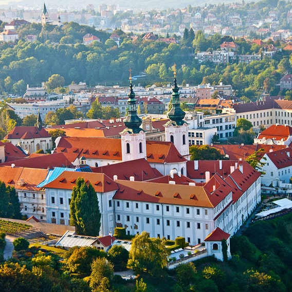 Popularne kierunki wycieczek szkolnych: Praga