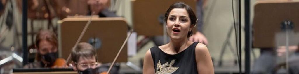 Lucía Martín-Cartón, Soprano