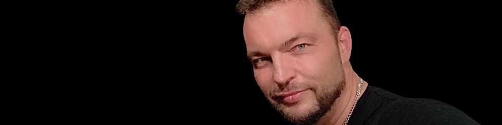 Christian Hübner, Bass