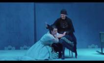 """Libreto Eliška Krásnohorská (1847–1926)Hudební nastudování Marek ŠedivýRežie Jiří Nekvasil """"Chci nebožku tvou ženu ctít; věz, hubičku dřív nemáš přislíbenou,..."""