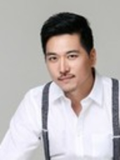 Julian Younjin Kim