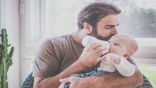 4 Cara untuk Meningkatkan Hubungan Ayah dan Anak