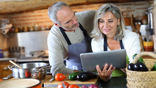 Stop ! Inilah 6 Pantangan Makanan untuk Wanita Menopause