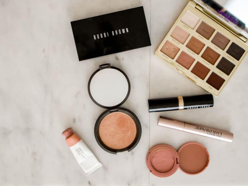 Imagem de destaque do post Saiba como fazer uma maquiagem simples para o dia a dia