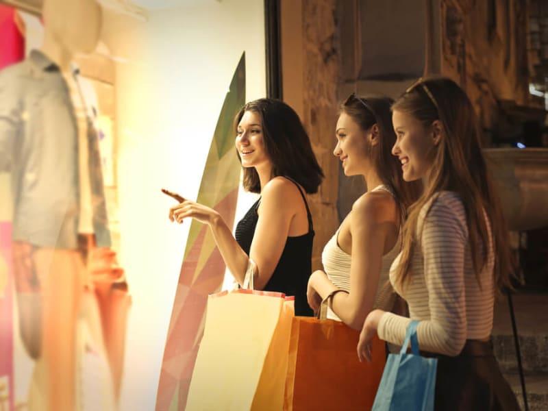 Imagem de destaque do post Saiba como é possível atrair mais clientes para uma loja de roupas