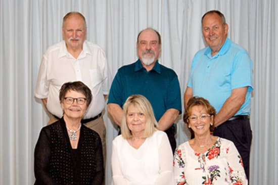 Recipients of the Lake Regional Service Recognition Award for 40 years of continuous service were (back row) Martin Hampton, Leo Buechter, Steve Grotewiel, (front row) Kathy Hoemeyer, Beverly Bullock and Janny Drover.