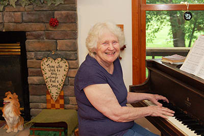 JoAnn Chapman, an accomplished pianist and retired teacher, is thankful she had a good recovery from a serious heart attack on April 6, 2018. She was flown to Lake Regional Health System from Waynesville, and within 15 minutes of her arrival, she had complete blood flow restored to her heart.
