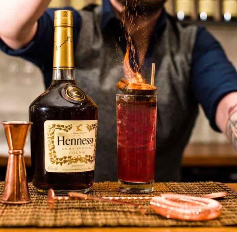 Коктейль из чая и коньяка придумали Hennessy и дом Thé Théodor