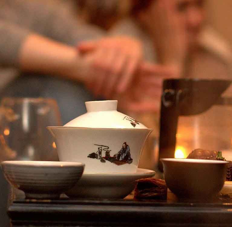 Владельцы чайных Facebook Group поддерживают традиции и адаптацию