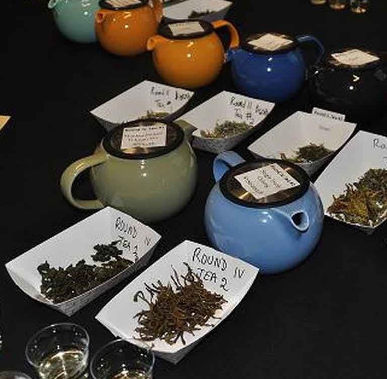 Курс обработки чая на Всемирной чайной выставке предлагает практический опыт