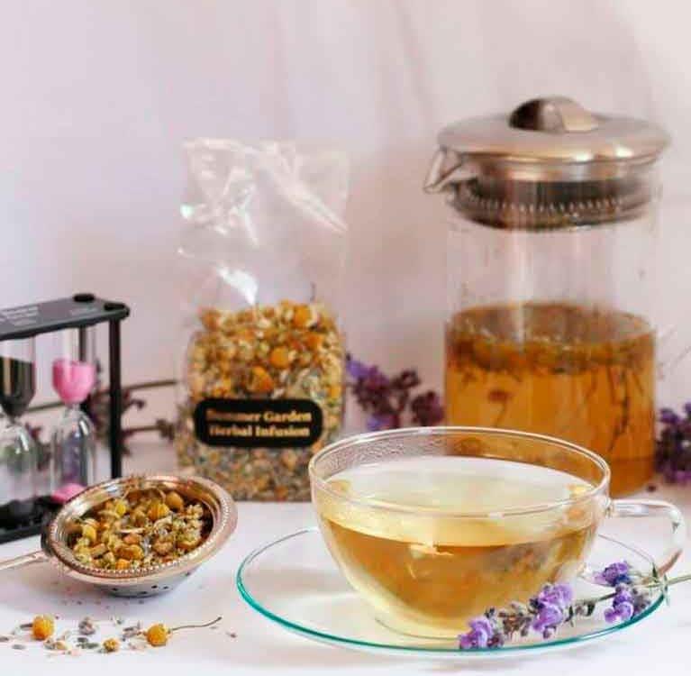 Пить чай, чтобы сбалансировать избыточное тепло тела летом