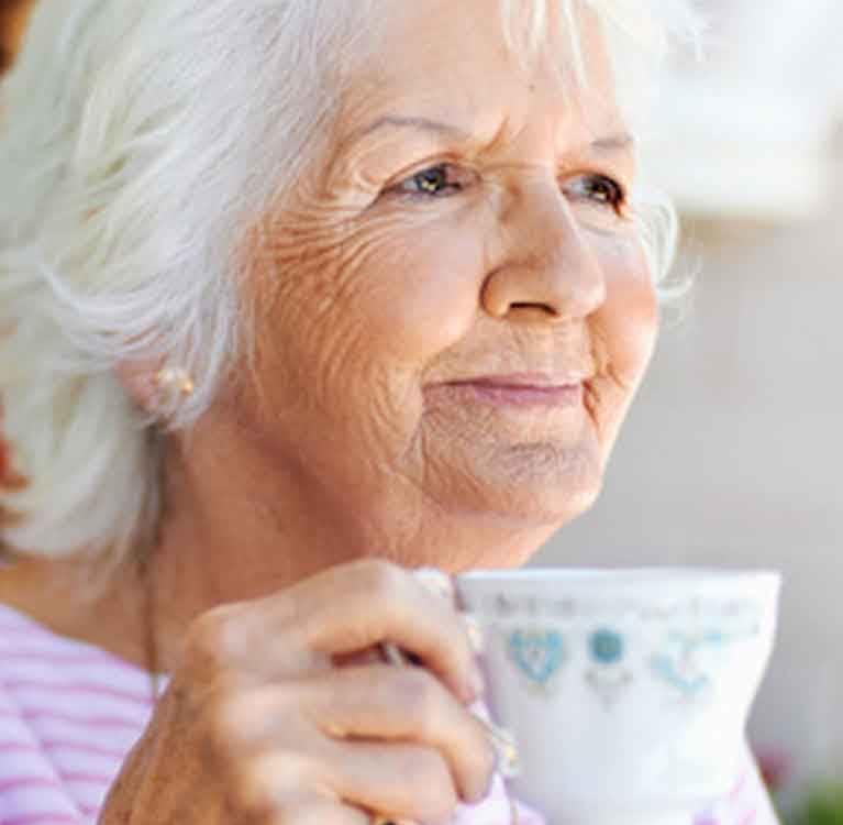 Хорошие новости для любителей чая: кофеин ключ к долгой жизни