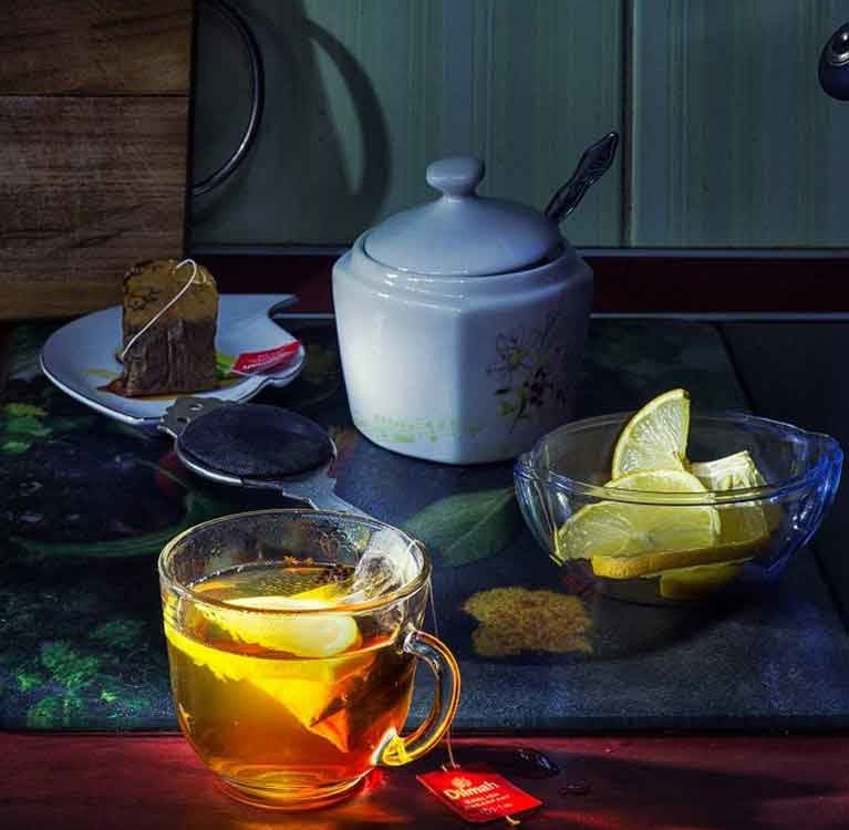 Почему лимон осветляет чай