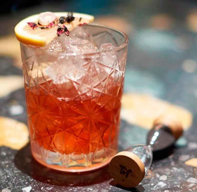 Teatulia: литературный чайный магазин и коктейль-бар откроется в Ковент-Гардене этой осенью