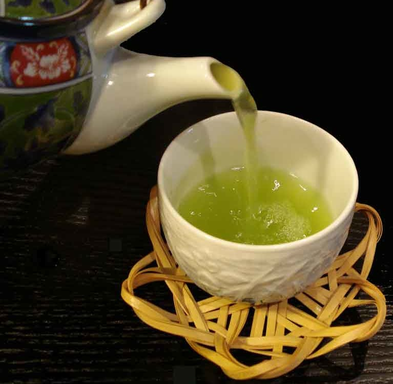 зеленый чай заставит организм сжигать больше калорий во время сна