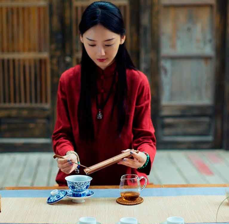Тай Дзи и Тяною: Движение по совместному пути Источник: https://www.tea-terra.ru/2014/10/11/18586/