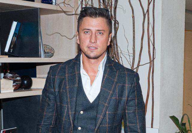 «Это моя личная жизнь»: Павел Прилучный ответил на вопросы о романе с Мирославой Карпович и расставании с Агатой Муцениеце