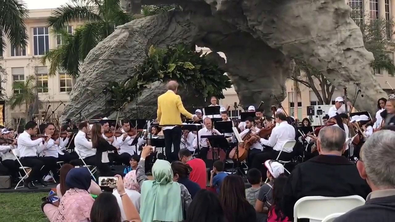 MIAMI SYMPHONY ORCHESTRA AT THE PARK