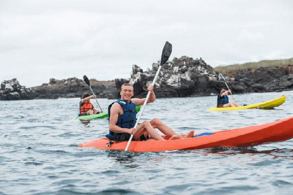 Natural Paradise's 8-Day Itinerary A Day One - Kayaking.