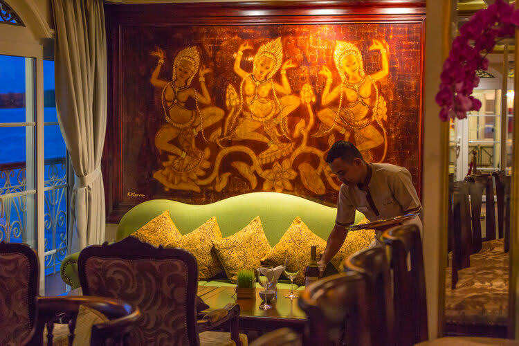 Mekong Navigator's 8-Day Upstream Itinerary Day One - Lounge