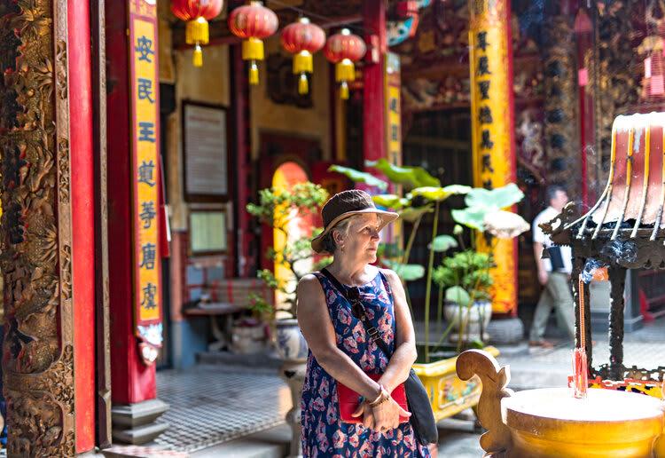 Mekong Navigator's 8-Day Upstream Itinerary Day Two - Pagoda