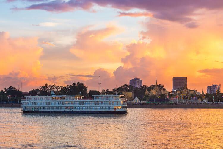Mekong Navigator's 8-Day Upstream Itinerary Day Three - Boat Exterior