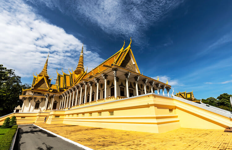 Mekong Navigator's 8-Day Downstream Itinerary Day Four - Royal Palace