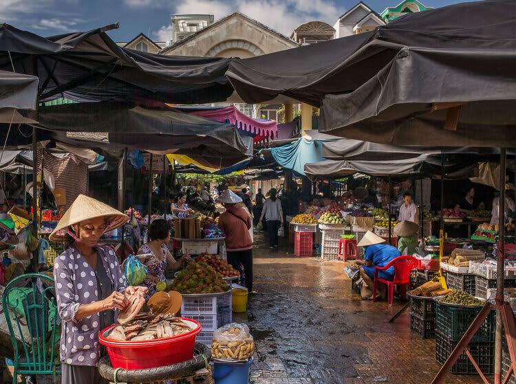 Jayavarman's Pearl of the Orient Downstream Day One - Local Market