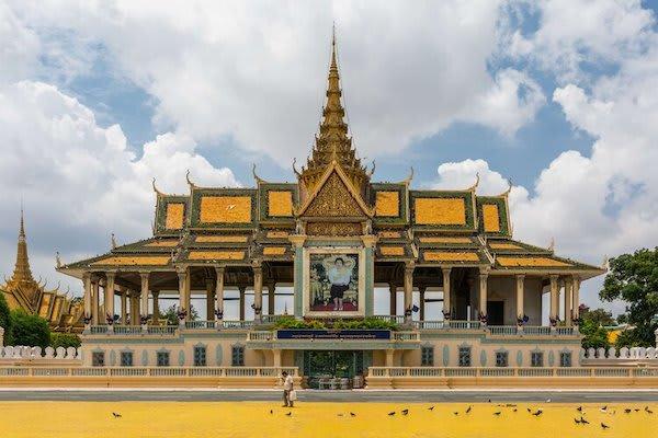 Jayavarman's The Lost Civilization Upstream Day Four - Royal Palace in Phnom Penh