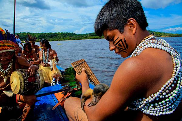 Desafio's 4-Day Maguari Expedition Cruise Itinerary Day One - Meeting Amazon Natives.